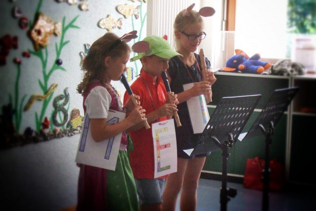 Flötenvorspiel der Viertklässler